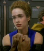 Bajoran woman, Q-Less