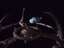 Voyager leaves Deep Space Nine
