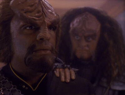 Gowron attempts to recruit Worf