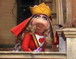 Miss-piggy-queen
