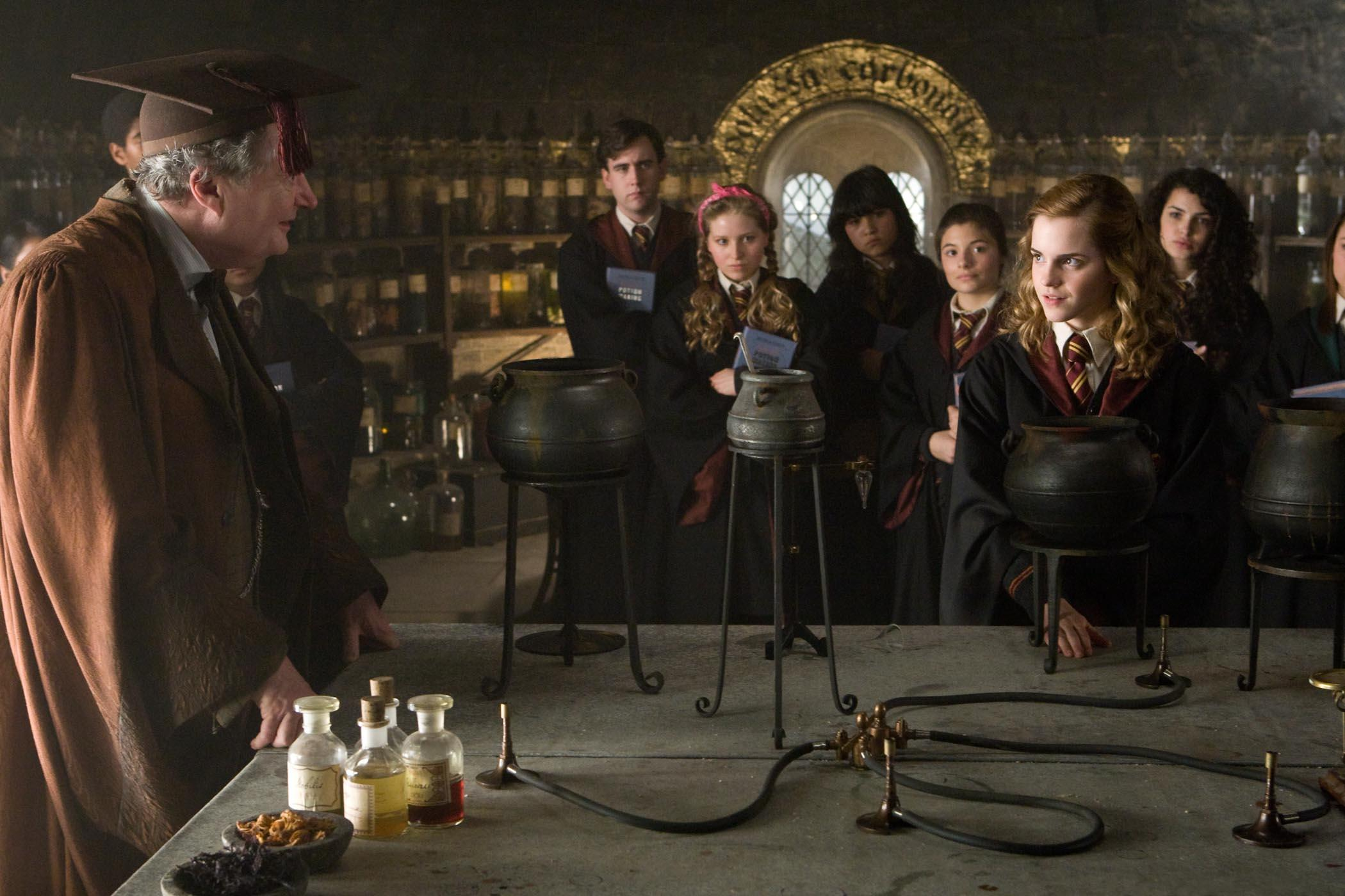 Hermione Granger | Harry Potter Wiki | FANDOM powered by Wikia