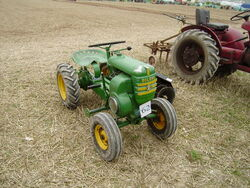 Bolens garden tractor GDSF