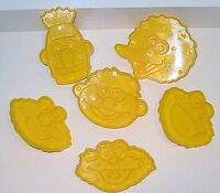 Wilton1996CookieCutterFaces