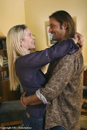 5x08 Sawyer & Juliet