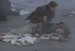 Padme tries to save Corde