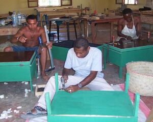 ADES - Solar cookers built in local workshops - March 2008