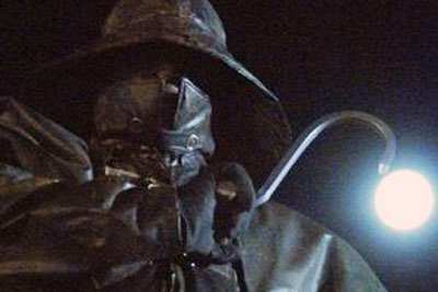 http://images1.wikia.nocookie.net/__cb20090609011524/horrormovies/images/7/77/The_Fisherman.jpg