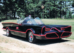 1960&#39;s TV BAtmobile 01