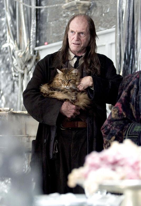 Filch & mrs. norris-1-.jpg