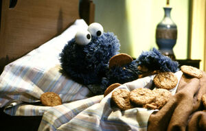 Cookie-monster-bedtime