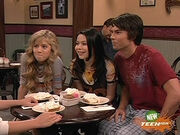 ICarly S02E09 (iPie).avi snapshot 03.27 -2010.01.13 20.08.45-