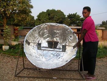 Vimini solar cooker front