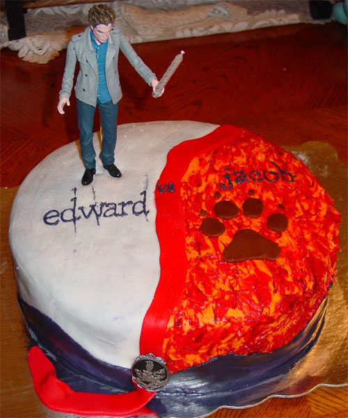 File:Birthday cake-twilight6.jpg