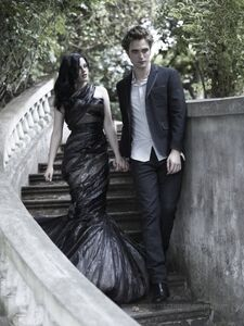 Robert Pattinson and Kristin Stewart in Bazaar (5)