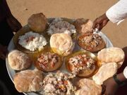 A solar meal in El Yousif, Sudan.jpg