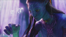 Neytiri.TreeOfSouls.screencap