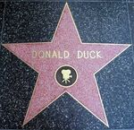 Donald-Duck-s-Star-on-the-Walk-of-Fame-donald-duck-7882050-400-387