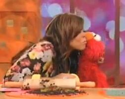 Elmo WendyWilliamsKiss