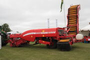 Grimme GZ 1700 trailed potato harvester at EofES - IMG 0105