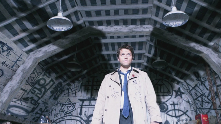 [Image: 707px-Castiel_shows_his_wings.png]