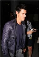 Talylor-Lautner-in-LA-jacob-black-8375350-247-363