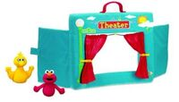 Gund-Fingerpuppet-SesameTheater