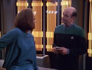 B&#39;Elanna Torres erwacht auf der Krankenstation