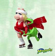 Kermit and Piggy Ornament 2003