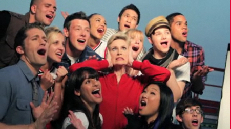 Glee-Cast-Season-2-Photoshoots-glee-15316989-451-253.jpg