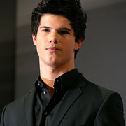 03 taylor lautnerasjacobblack