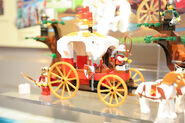 LEGO Toy Fair - Kingdoms - 7188 King&#39;s Carriage Ambush - 02