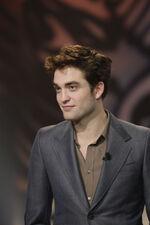 Robert Pattinson Biography Wikipedia on Robert Pattinson   Twilight Saga Wiki
