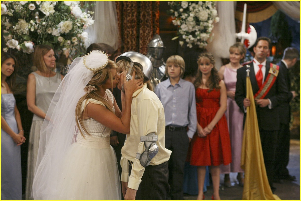 Zack-Maddie Relationship - The Suite Life of Zack and Cody Wiki - The