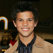 Taylor lautner cheaper by the dozen 2 4