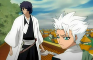 Hitsugaya and Amagai watch the infiltration
