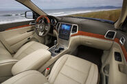 2011-Jeep-Grand-Cherokee-2