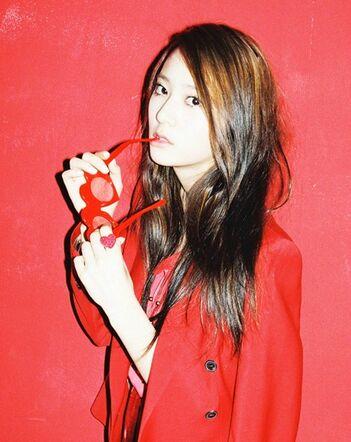 F(x)                          351px-Krystal_Jung4