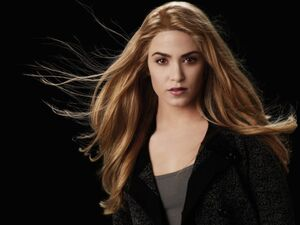 484px-06Rosalie Hale