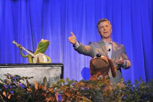 D23-RainbowConnection03-Kermit-Rowlf-TomBergeron-(2011-08-19)