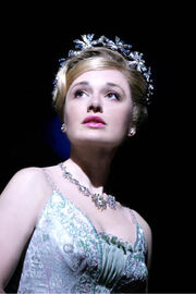 Dianne Pilkington (Glinda) in WICKED photo by Tristram Kenton