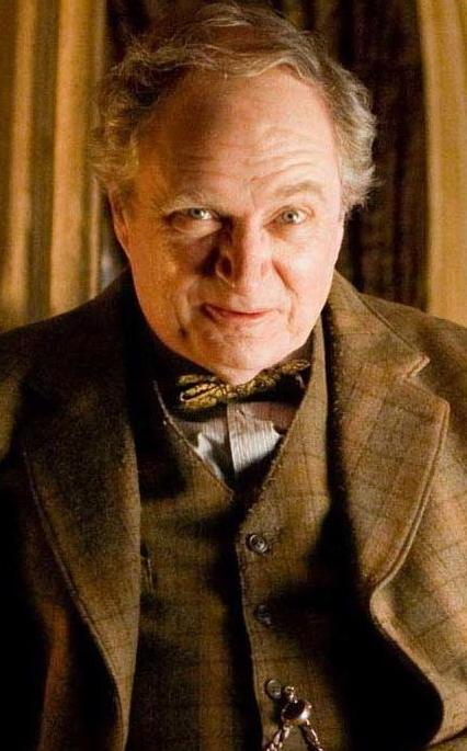 Horace Slughorn - Wiki Harry Potter, l'encyclopédie sur ...Ian Mcneice Harry Potter