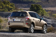 2009-Toyota-RAV4-6