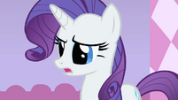 Rarity looks at Scootaloo S1E23