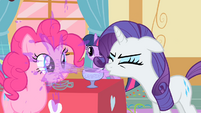 Rarity spewing punch S1E25