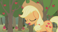Applejack dozing off while walking S1E04