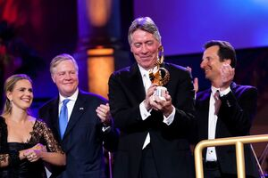 The Max Steiner Film Music Achievement Award is presented to Alan Silvestri at the gala concert Hollywood in Vienna