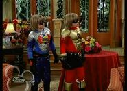 The Suite Life of Zack and Cody - S03E04 - Super Twins.avi 000765229