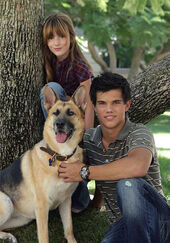 Jacob-and-Renesmee-jacob-and-renesmee-5659255-350-500