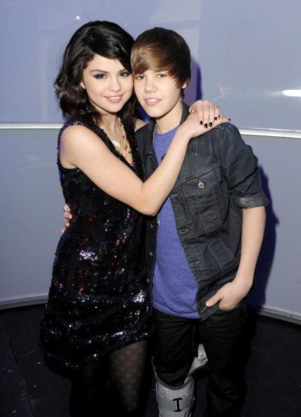 Selena-gomez-and-justin-bieber-photos