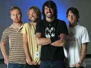 4393 foo-fighters1